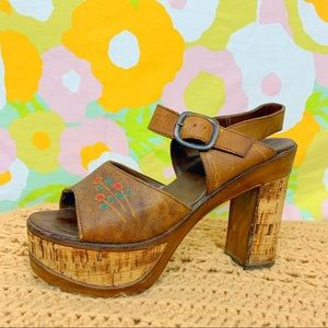 Vintage 60s 70s Cork Tooled Leather Platform Heels